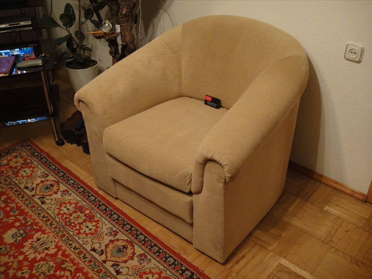 Как перетянуть кресло кровать своими руками 11
