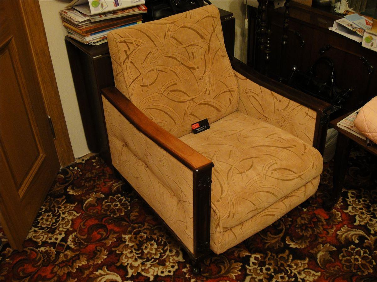 Чем обшить диван своими руками 70