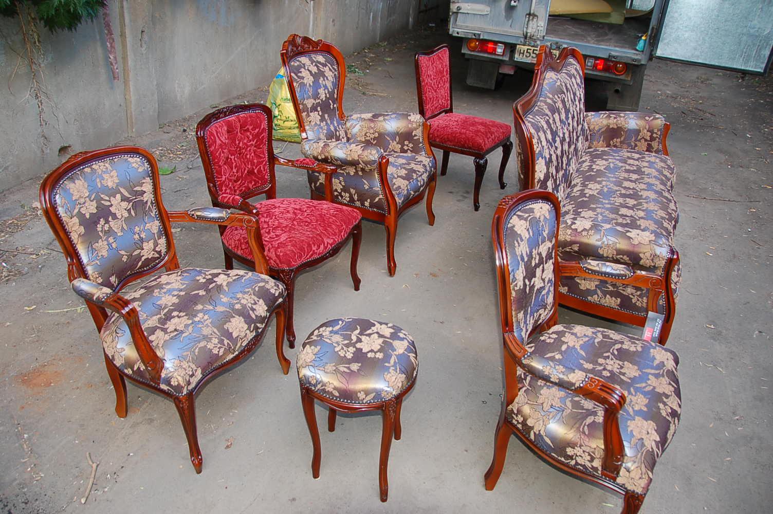 Как обшить старые стулья своими руками