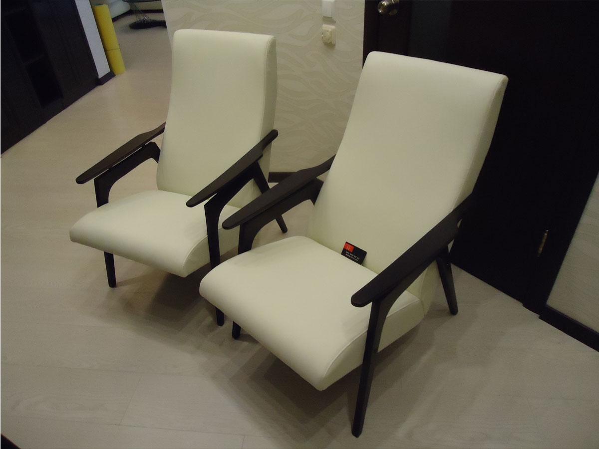 Старые кресла. перетяжка своими руками